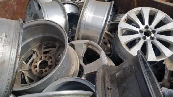 Clean Aluminum Rims