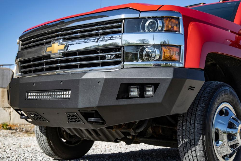 Chevy Heavy-Duty Front LED Bumper (15-19 Silvera
