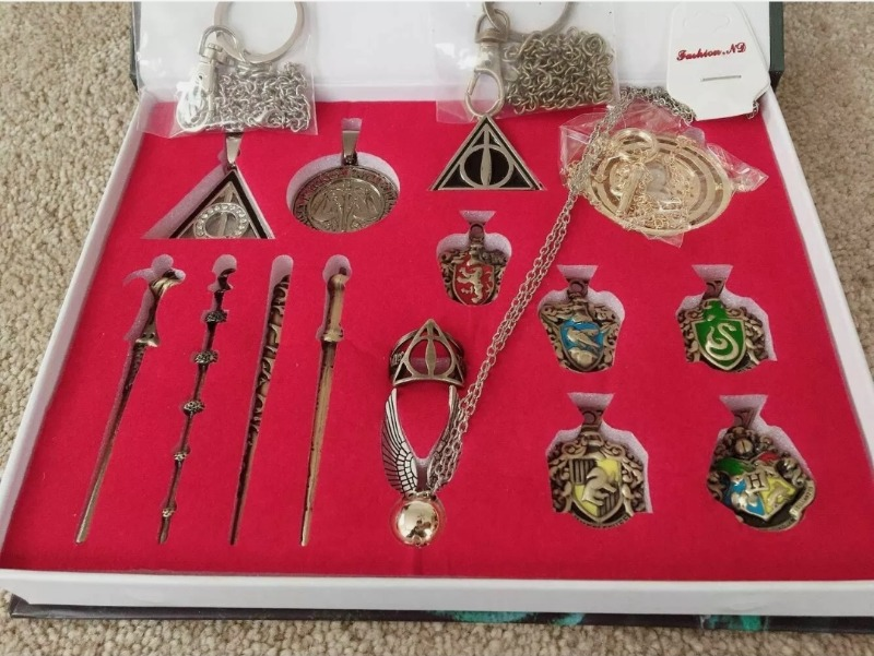 Harry Potter Wand Collector Set With Display Case